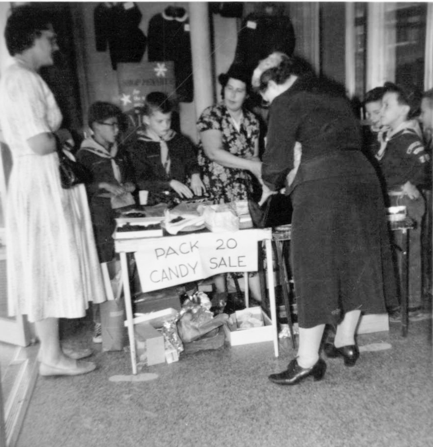 Cub Scout den mother Feb 1959